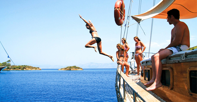 Turkish Sailing - Contiki with Pentravel
