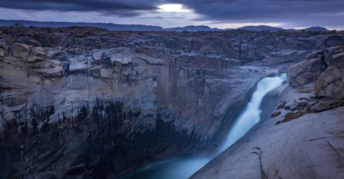 augrabies-falls-np_landscape_sunrise-over-the-falls_rudolph-de-girardier_img_9948-1-1200x800.jpg